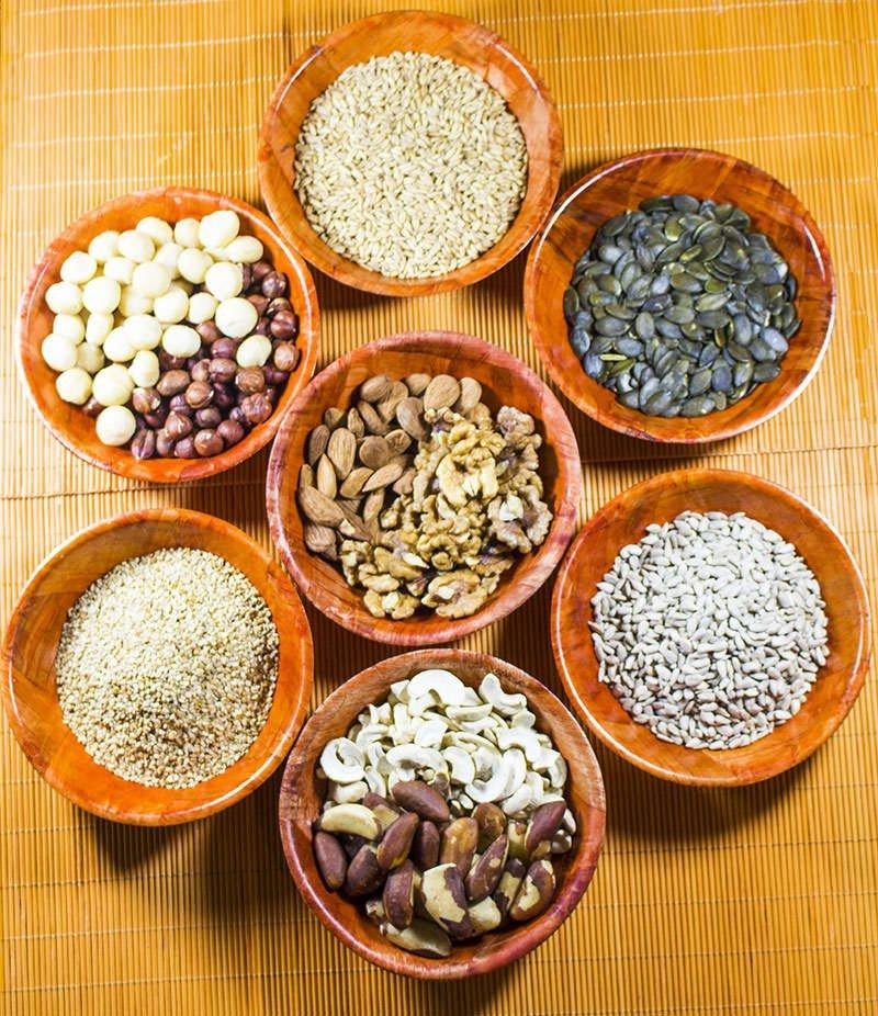 verschiedene-Nuesse-Saaten-zum-Einweichen