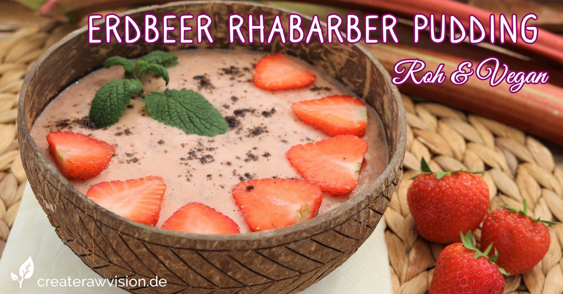 Erdbeer Rhabarber Pudding in Bambusschüssel mit Erdbeeren