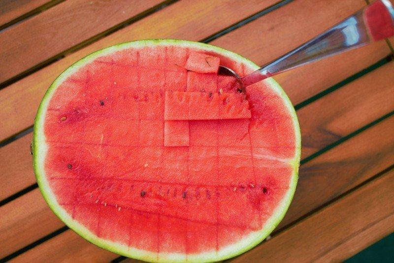 Die 7 kühlendsten Nahrungsmittel – So kühlst du dich bei Hitze